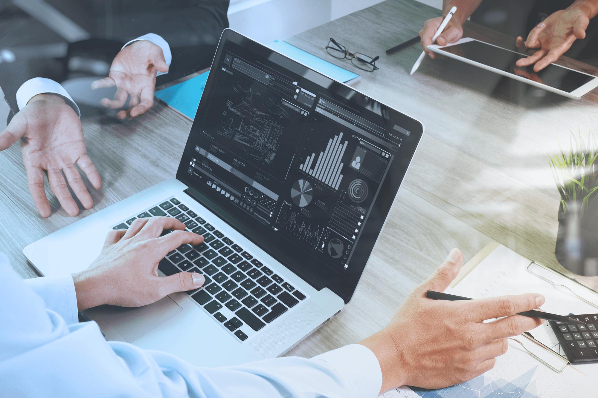 Next-Generation BI | Traditionele OLAP technologie vs QlikView